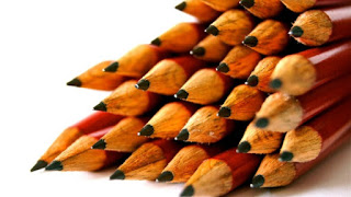 desk-pens-school-design-728x410